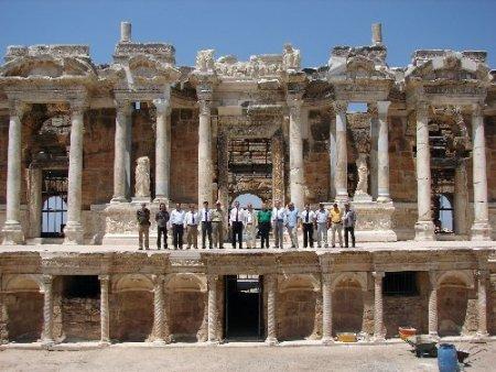 Akdeniz Havzası'nın en önemli antik tiyatrosunda,restorasyon 50 yılda tamamlandı