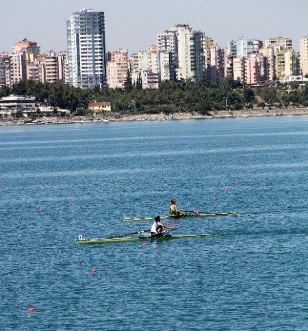 Akdeniz Oyunları kürek yarışları Adana'da başladı