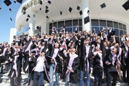 Aksaray Üniversitesi, 124 sporcu ve 188 sağlıkçı daha mezun etti