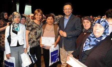 Altındağ'da 6 bin 500 kişi okuma-yazma öğrendi