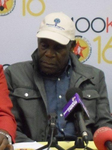 Amerikalı aktör Danny Glover, Güney Afrika'da polislerin grevine destek verdi