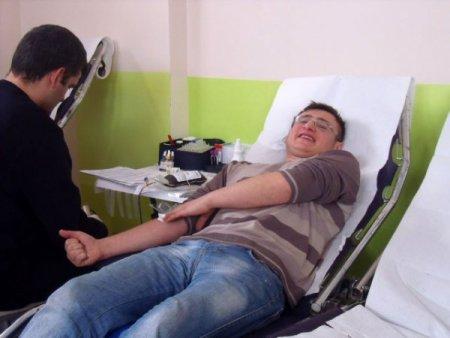 Anaokulu velileri kan bağışladı