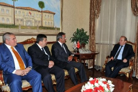 Antalya protokolünden Vali Öztürk'e 'hoş geldin' ziyareti