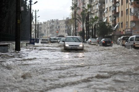 Antalya yağmura teslim