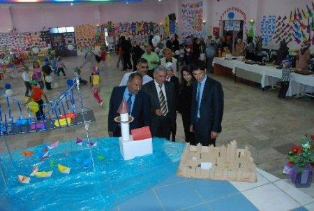 Aydıncık'ta anaokulu öğrencilerinin açtığı yıl sonu sergisi beğenildi