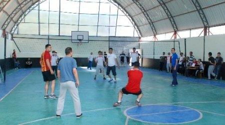 Aydıncık'ta kurumlar arası voleybol turnuvası düzenlendi