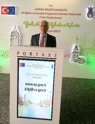 Bakan Bağış, Balıkesir Gazeteciler Cemiyeti'nin projesini örnek gösterdi