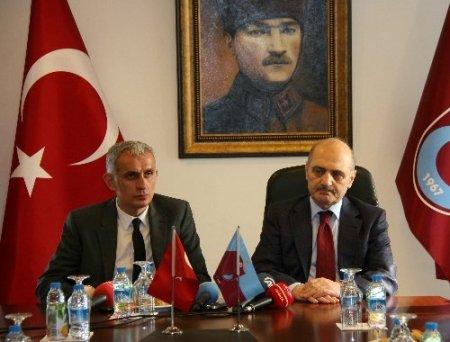 Bakan Bayraktar, Trabzonspor'un yeni yönetimine başarılar diledi
