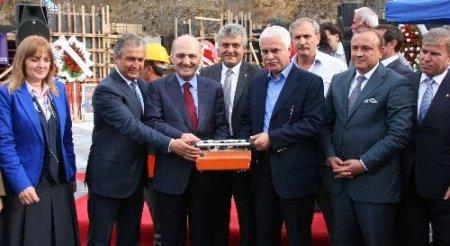 Bakan Bayraktar: Ayasofya ibadete açılıyor ama müze olma özelliğini kaybetmiyor