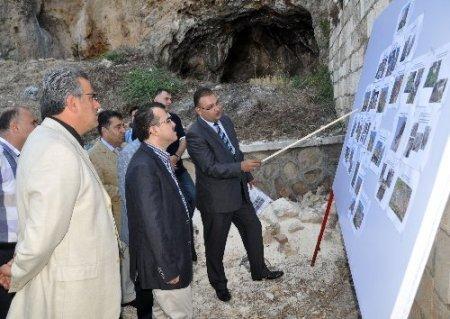 Bakan Ergin, Hatay'da devam eden yatırımları inceledi