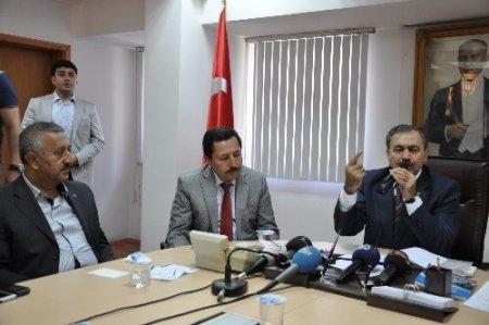 Bakan Eroğlu: Millet oyunu kenetlenerek bozdu