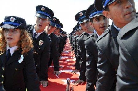 Balıkesir Polis Meslek Yüksek Okulu'ndan 885 öğrenci mezun oldu