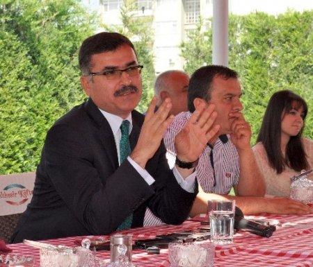 Balıkesir Valisi Turhan: Kalkınmamızı istemeyen dış güçler ülkeyi karıştırıyor