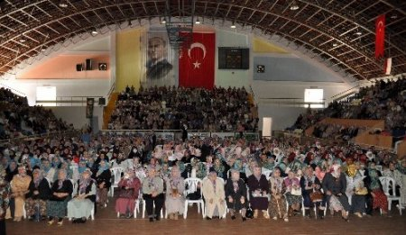 Balıkesir'de sekiz ayda 12 bin 500 kişi Kur'ân öğrendi