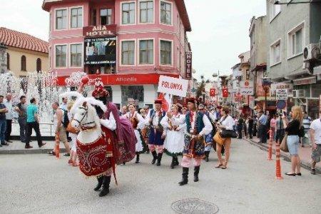 Bartın 31. Kültür Sanat Turizm ve Çilek Festivali başladı