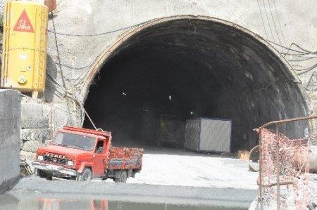 Başbakan'ın bahsettiği tünelde çalışmalar sürüyor (Özel)