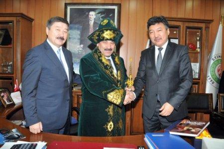 Başkan Demirel Kazakistan Karagandı Caz Orkestrası'nı Etimesgut'ta ağırladı
