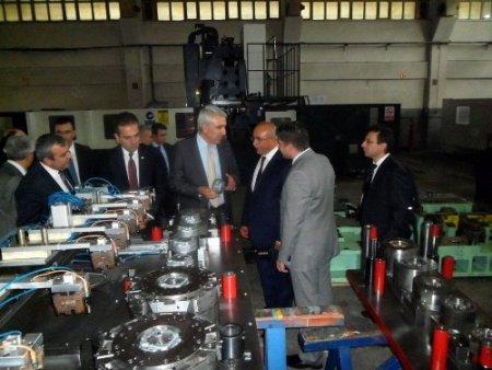 Bayar: Bursa'da bir savunma sanayi kümelenmesi oluşturulabilir