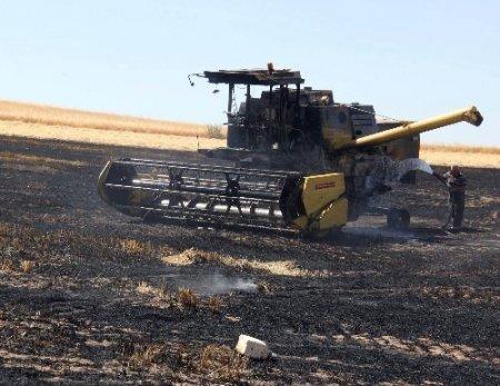 Biçerdöver yandı, ekili arazi kül oldu
