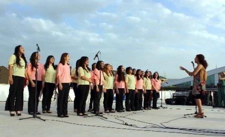 BTSO Kız Teknik ve Meslek Lisesi Bahar Şenliği düzenledi