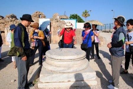 Budist Koreliler, kültür turizmine Hıristiyanlar kilise ziyaretine geliyor