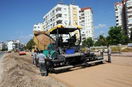 Bülent Ecevit Bulvarı asfaltlanıyor