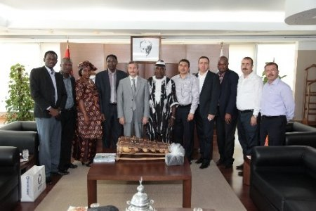 Burkina Faso'lu heyet Başkan Tahmazoğlu'nu ziyaret etti