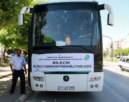 Bursa, Yalova ve Bilecik'ten 3 otobüs dolusu öğrenci Çanakkale'ye gitti