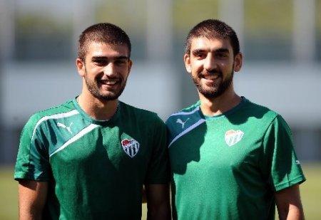 Bursaspor, yeni sezona çift antrenmanla hazırlanıyor