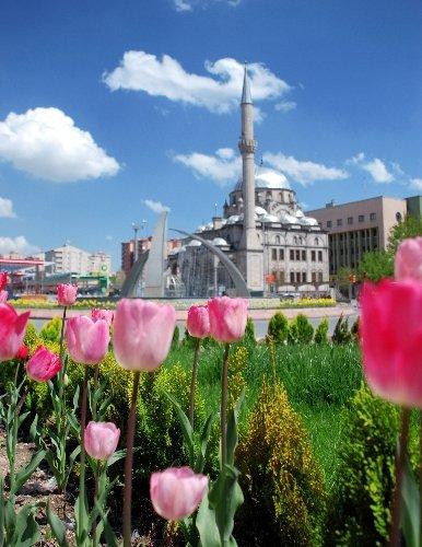Büyükşehir Belediyesi 24 saat hizmet sunuyor