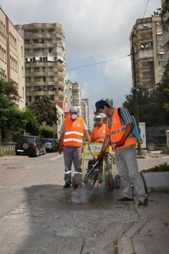 Büyükşehir sinekle mücadelesini 110 personelle sürdürüyor