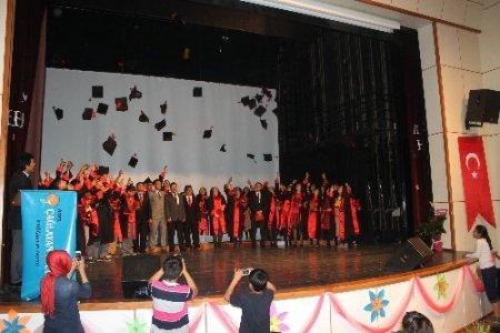 Çağlayan Ufuk Koleji beşinci mezunlarını verdi
