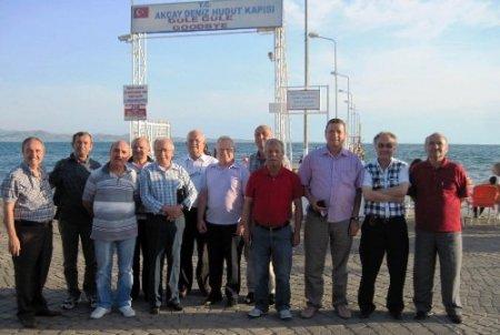 Çanakkale Sağlık Koleji mezunları, 43 yıl sonra Akçay'da buluştu