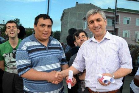 Canik'te kursiyerler sertifikalarını aldı