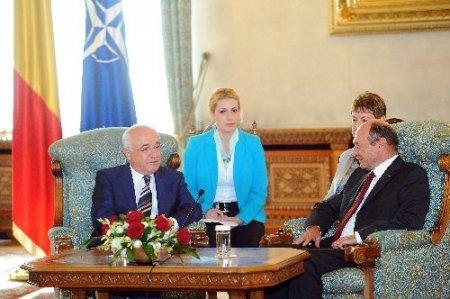 Cemil Çiçek, Romanya Cumhurbaşkanı Traian Basescu ile görüştü