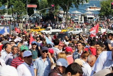 CHP'liler Taksim'de
