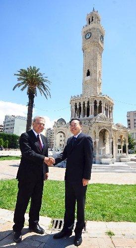 Çin'in Wuhan şehri ile İzmir kardeş oldu