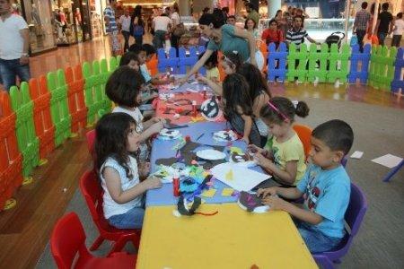 Çocuklar Optimum'da 'eğlenerek' öğreniyor
