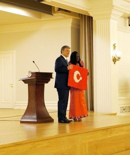 Cumhurbaşkanı Gül: Türkçe olimpiyatları Türkiye'ye yapılan en büyük hizmettir