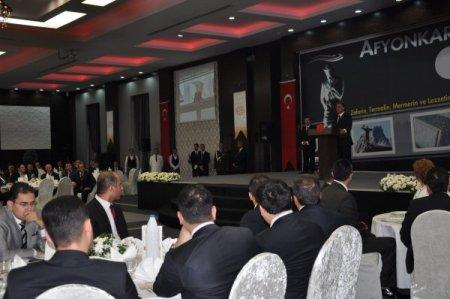 Cumhurbaşkanı Gül: Türkiye'ye ayak bağı olan terör gündemden çıkmalı