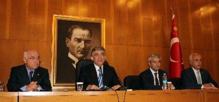 Cumhurbaşkanı Gül: Türkmenistan'da çok sayıda anlaşma imzalayacağız