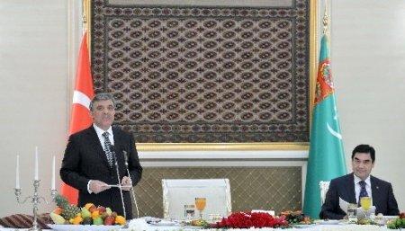 Cumhurbaşkanı Gül'e 'Türkmen Gelini' sürprizi