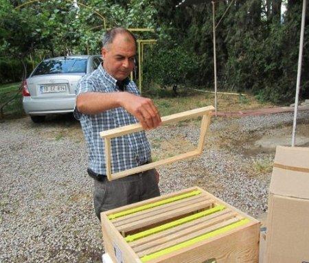 Destek amacıyla arı kovanı taban altlığı hediye edildi