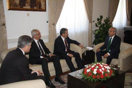 Destici'den Kılıçdaroğlu'na geçmiş olsun ziyareti