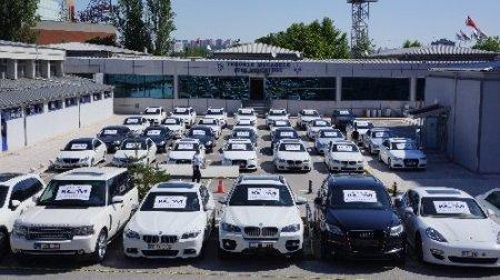 Devleti 5 milyon TL dolandıran lüks otomobil çetesi çökertildi