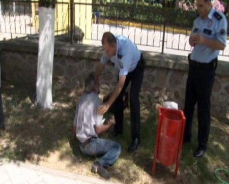 Dolandırıldığını iddia eden şahıs, kendini benzinle yakmaya çalıştı