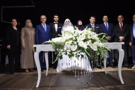 Düğün şahitliği yapan Bakan Çelik: Ömür boyu bahtiyar, birlikte ihtiyar olun