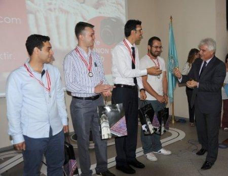 Dünya birincisi BAÜ Ar-Ge Topluluğu ödüllendirildi