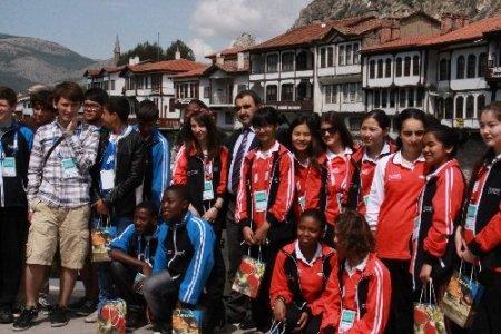 Dünya çocukları şehzadeler şehrinde mehteran ile karşılandı