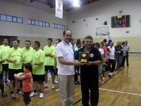 Edremit Kaymakamlığı kurumlar arası voleybol turnuvası düzenlendi